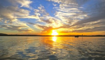 Noosa tours- sunset cruise on Lake Cooroibah with Noosa Dreamboats