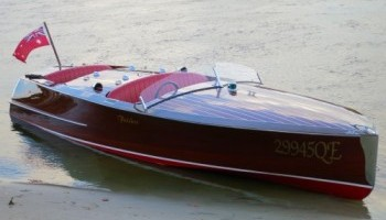 Classic Wooden speed boat Noosa Dream
