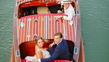 Noosa waterfront restaurant wedding arrival by boat