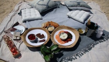 Noosa Dreamboats Mezze Platter ultimate proposal picnic