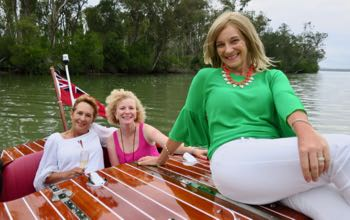 best-friends-on-a-classic boat noosa-cruise