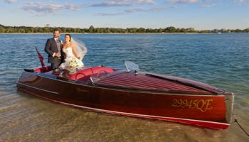 noosa-wedding-boat